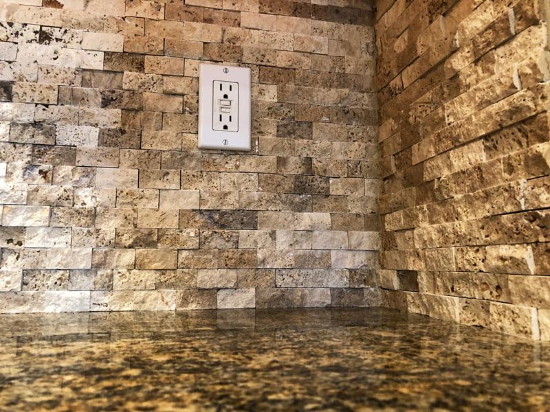 stone-backsplash-detail